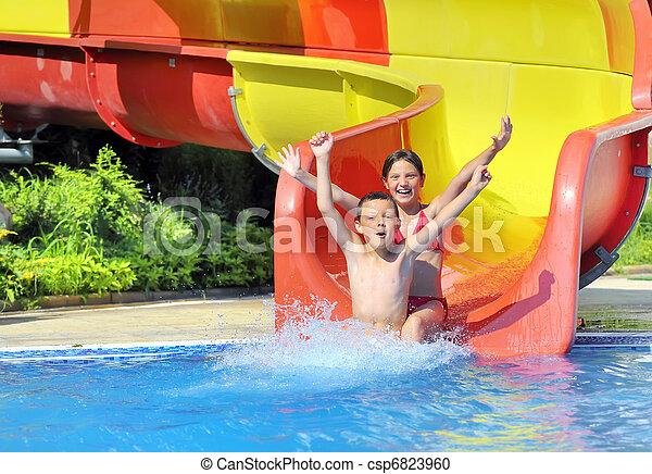 água, baixo, escorregar, deslizamento, crianças - csp6823960