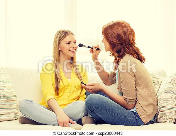 adolescente, aplicando, fazer, meninas, cima, dois, lar, sorrindo - csp23000443