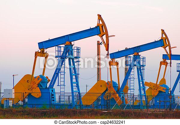 bombas óleo - csp24632241