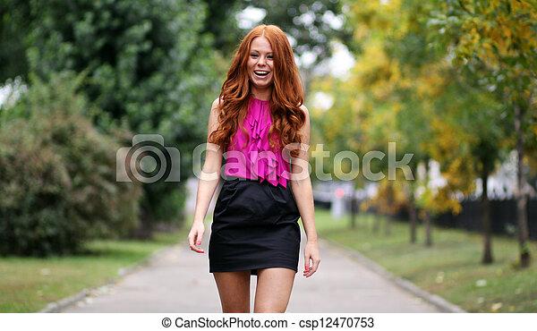 bonito, outono, mulher, parque, jovem - csp12470753