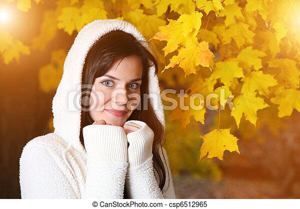bonito, outono, mulher, parque, jovem - csp6512965