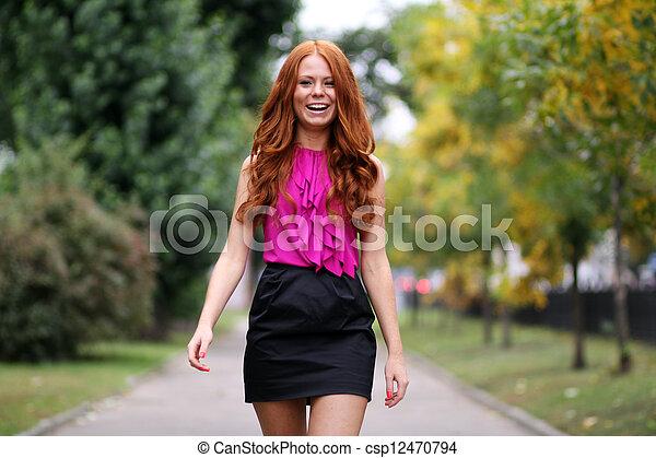 bonito, outono, mulher, parque, jovem - csp12470794