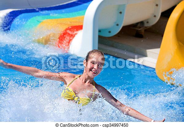 corrediça água, criança, aquapark. - csp34997450