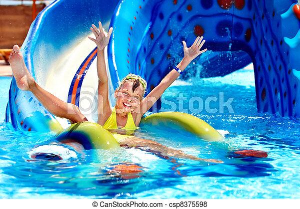 corrediça água, criança, aquapark. - csp8375598
