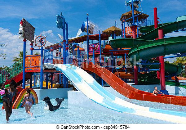 desporto, família, activitity., frança, feliz, splash., água, ativo, vacation., 26.07.2020, experiência., estilo vida, verão, antibe - csp84315784