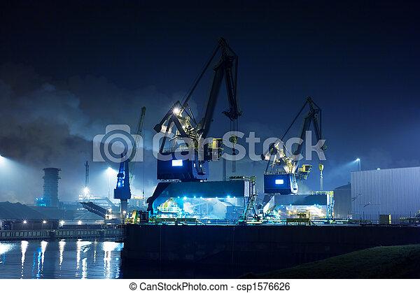 indústria, noturna - csp1576626