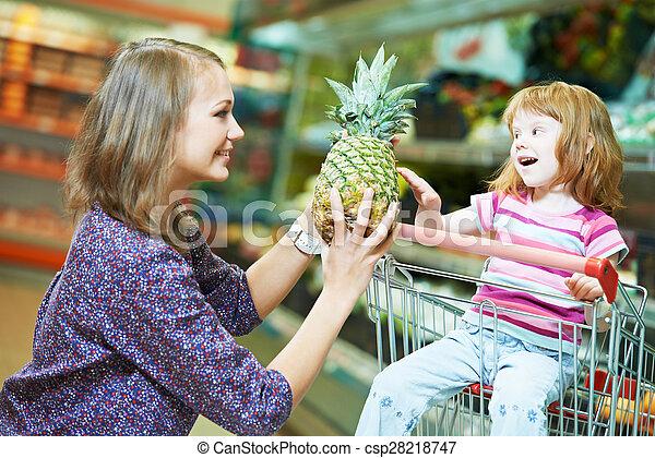 pequeno, shopping mulher, menina, frutas - csp28218747