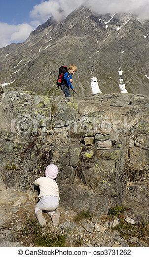 rauma, montanhas., alto, pequeno, escalando, noruega, crianças - csp3731262