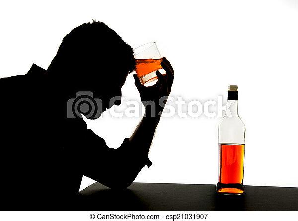 silueta, alcoólico, deprimido, bêbado, uísque, garrafa bebendo, queda, vício, sentimento, problema, homem - csp21031907