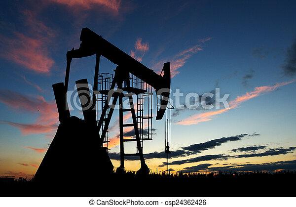 silueta, bomba, óleo, pôr do sol - csp24362426