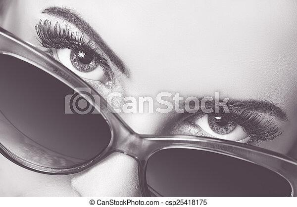 sobre, sedutor, óculos de sol, olhar - csp25418175